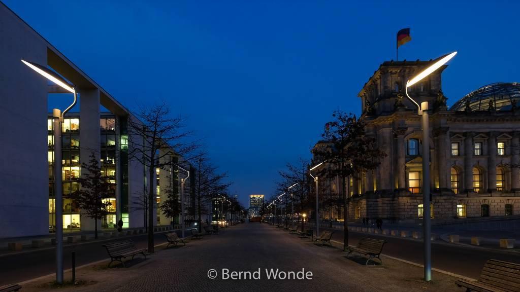 Fotoreise Berlin - Berlin Brandenburg Reichstag in Abendstimmung