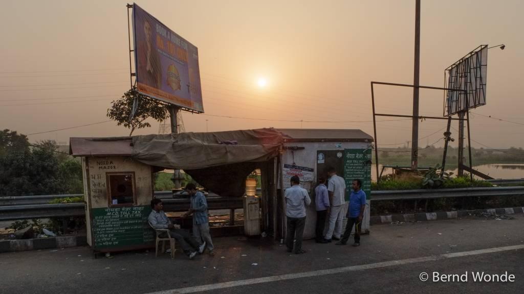 Fotoreise Indien - Ausfallstraße Neu-Delhi Mautstellen