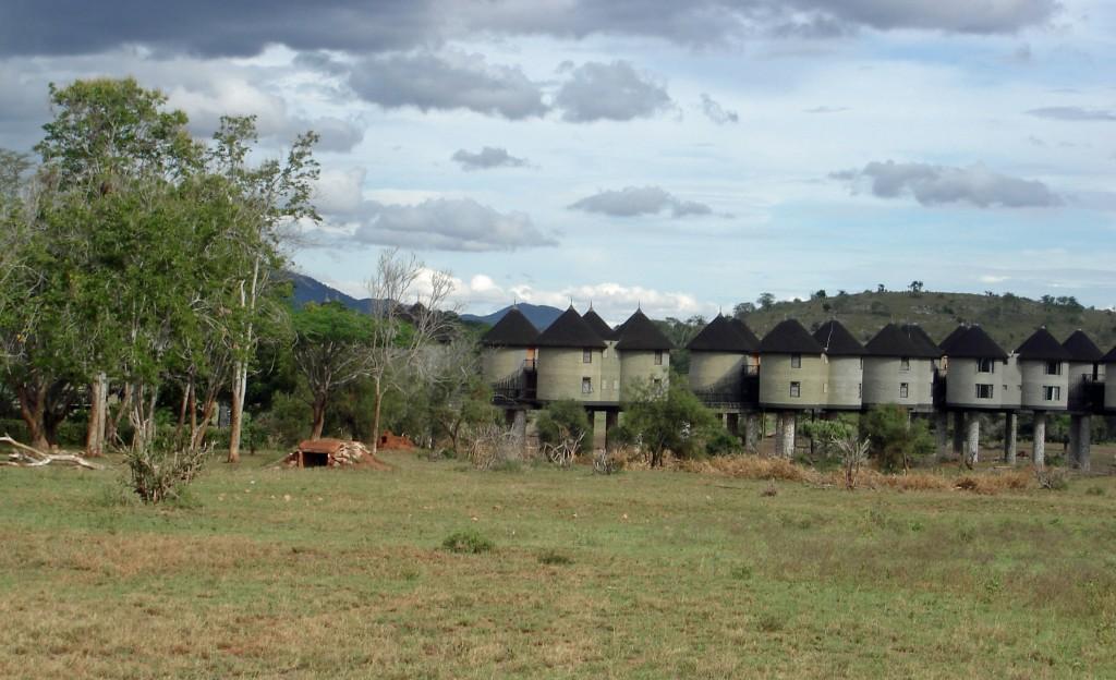 Fotoreise Kenia Rundhäus er Tsavo Nationalpark West