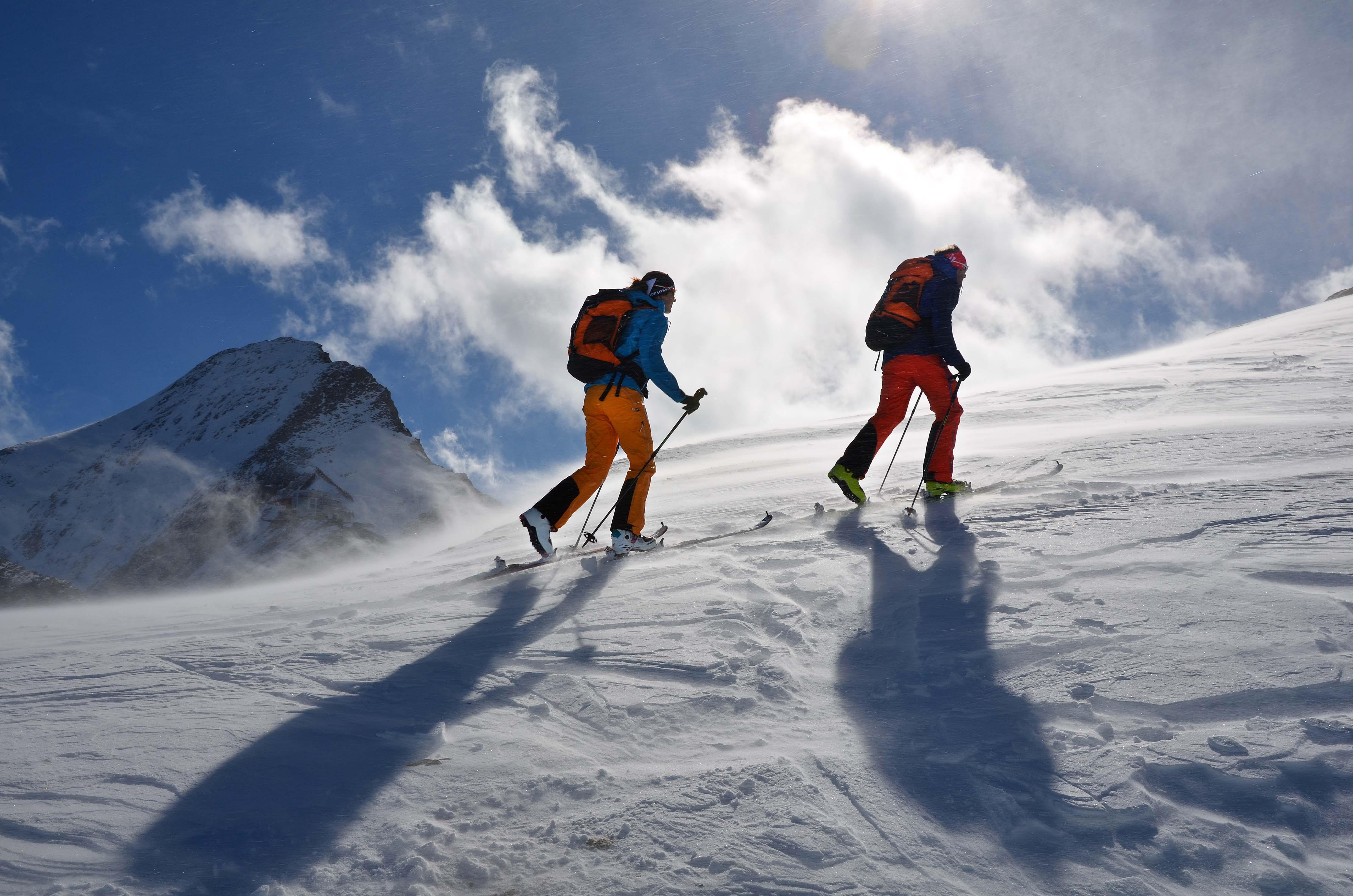 Skitourengehen – aufi geht`s zum Winter-Abenteuer in den Alpen