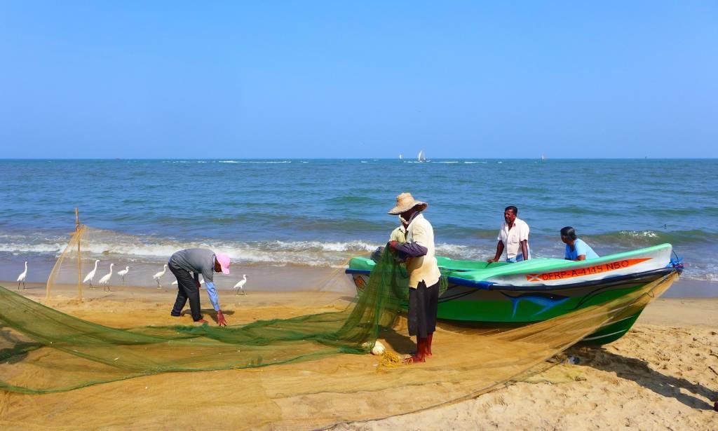 Die Netze werden eingerollt morgen geht es wieder raus aufs Meer zum Fischen