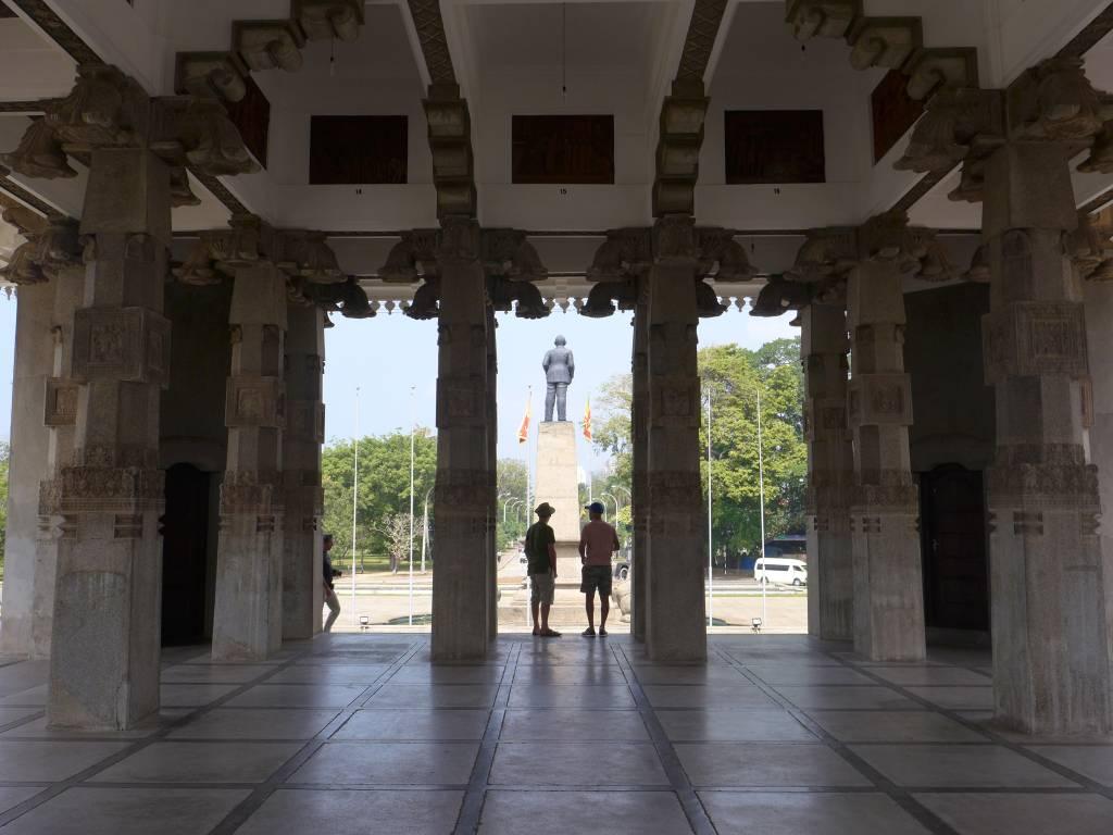 """Das Unabhängigkeitsdenkmal """"Independence Memorial Hall"""" in Colombo. Seit 4. Februar 1948 ist Sri Lanka unabhänig von den Briten"""