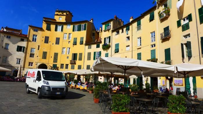 Mein Lieblingsplatz in Lucca: Piazza Antfiteatro in Lucca