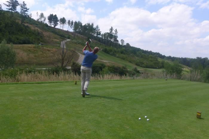 Lust auf eine Runde Golf? Zum Dorf gehört auch ein eigener 27-Loch Golfplatz