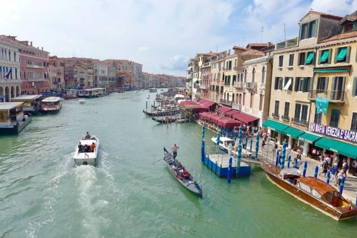 Berufsverkehr auf dem Canal Grande