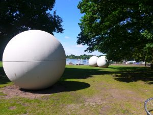 Giant Pool Balls Foto: copyr. M.Persian