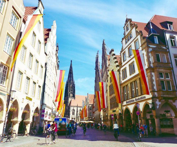 Romantisch und schön: Giebelhäuser mit Bogengängen am Prinzipalmarkt